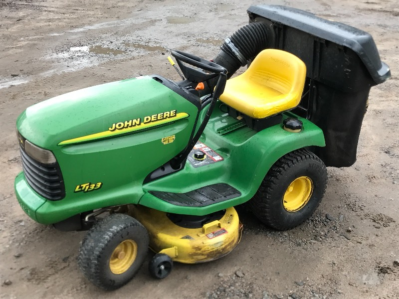 John Deere LT133 prices