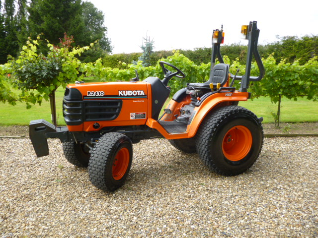 Kubota B2410 specifications