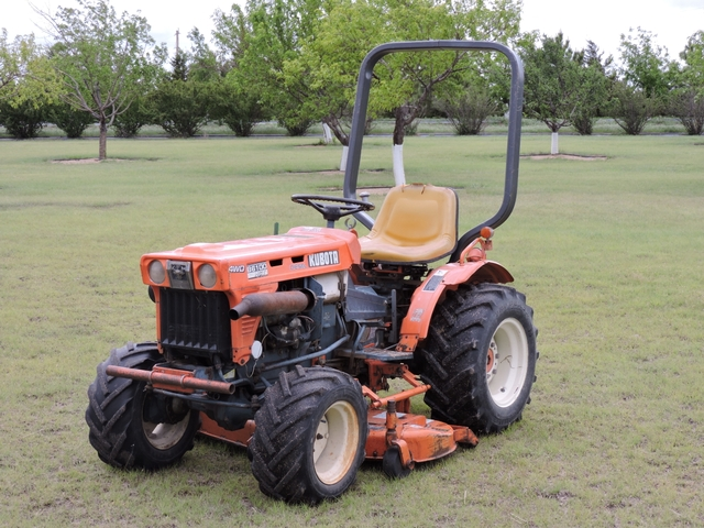 Kubota B6100 specs prices.