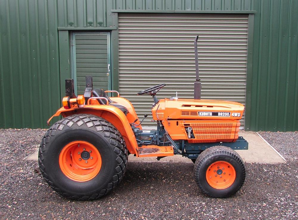 Kubota B8200 price specifications