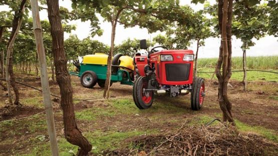Mahindra 245 Orchard features